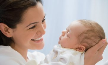 Attend a childbirth and parenting class